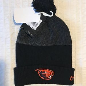 BNWT Nike Oregon State Beanie